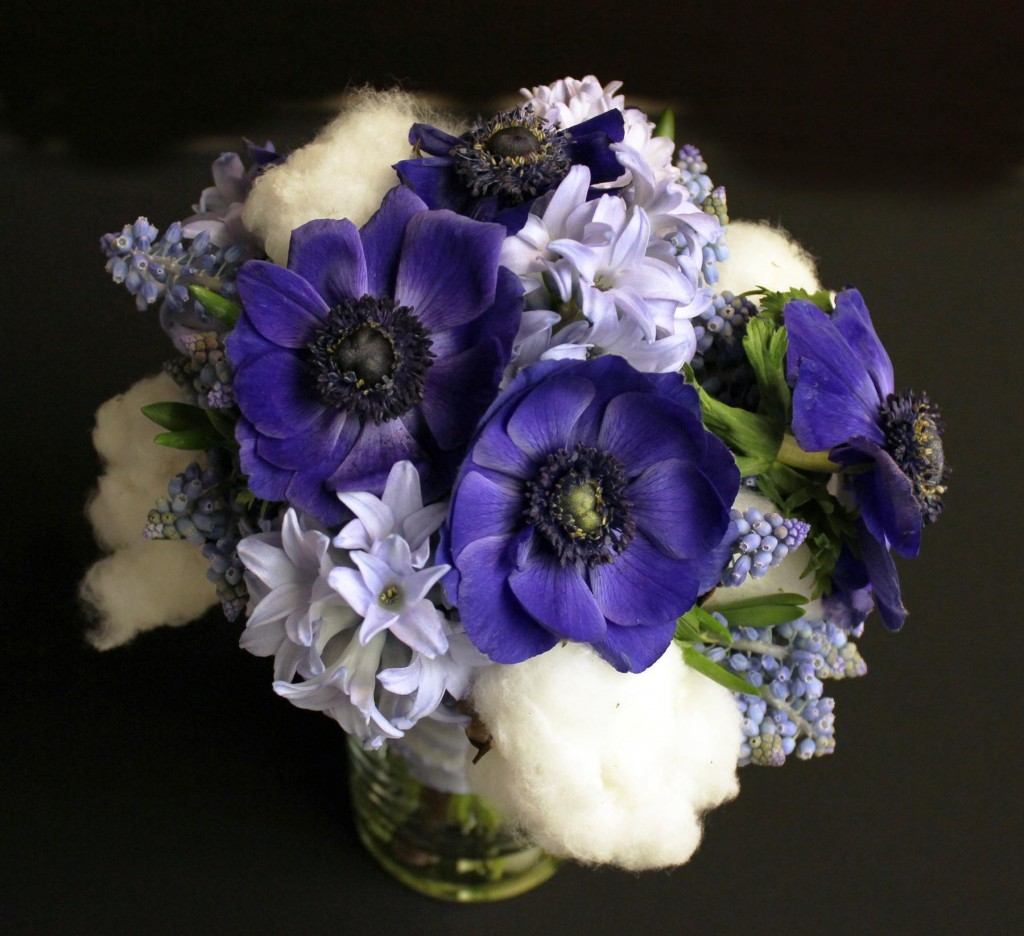 Untold meaning of flowers at the moment of being man and lady wedding flowers izmirmasajfo