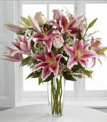 Photo of Simple Perfection Stargazer Bouquet - B25-4390