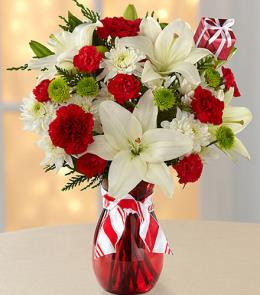 Photo of Open Your Heart Holiday Bouquet / Vase  - FK844