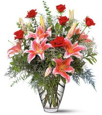 Photo of Red Roses and Stargazers TF115-1 - TF115-1