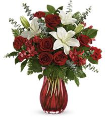 Photo of Love's Passion Vase Bouquet V200 - T17V200