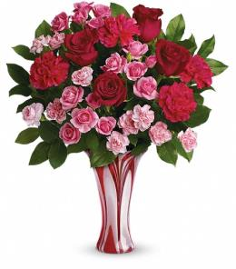 Photo of Swirls Of Love Bouquet by Teleflora - T15V200