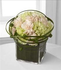Photo of The FTD Soft Persuasion Bouquet - C8-4855