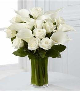 Photo of The FTD Sweet Solace Bouquet - S7-4449