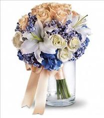 Photo of Nantucket Dreams Bouquet - T182-1