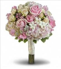 Photo of Pink Rose Splendor Bouquet - T190-1
