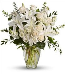 Photo of Dreams From the Heart Bouquet - T208-1