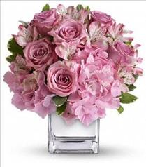 Photo of Faith Hill - Be Sweet Bouquet - T404-1