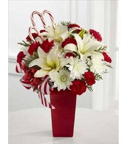 Photo of The FTD Holiday Happiness Bouquet - B10-4355