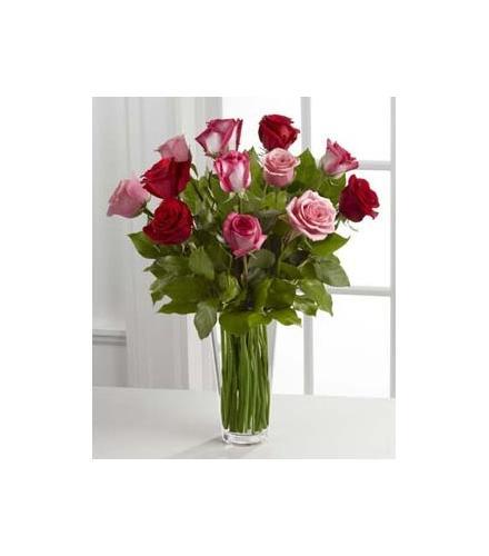Photo of BF7156/B19-4387 (12 Roses Vased)