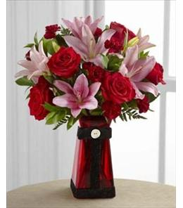 Photo of The FTD Love Rushes In Bouquet - B23-4835