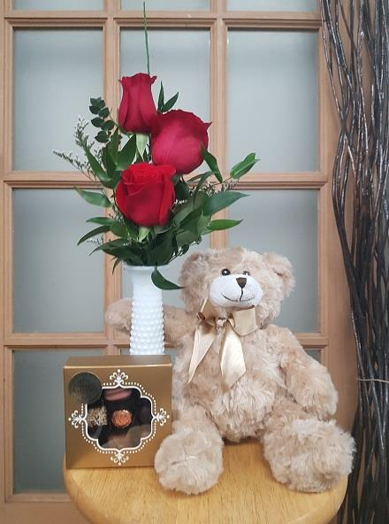 Photo of flowers: Triple Gift 3 Red Rose Package - BF11084