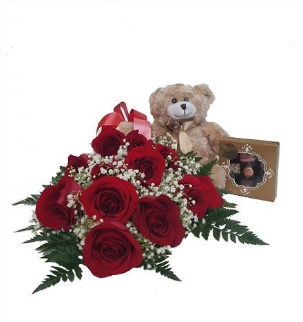 Photo of flowers: 12 Red Rose Package - BF11086