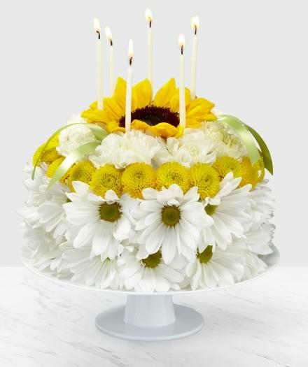 Photo of flowers: Birthday Smiles Floral Cake