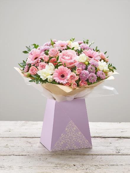 Photo of flowers: Sweet Thoughts Gift Wrapped No Vase