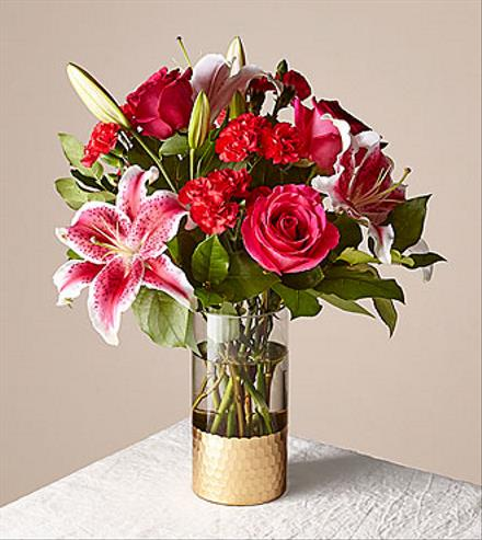 Photo of flowers: Cupid's Heart Red Rose Bouquet