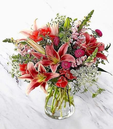 Photo of flowers: Naturally Pretty Vase