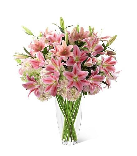 Photo of flowers: Intrigue Luxury Vase Bouquet