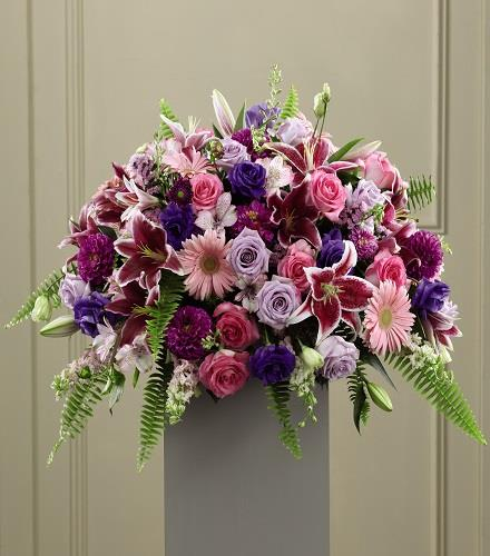 Photo of flowers: Fare Thee Well Pedestal Arrangement