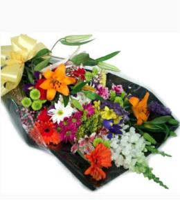Photo of flowers: Cut Buquet No Vase Seasonal Available Flowers