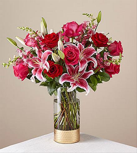 Photo of BF2099/18-V4 (6 Roses - Vase Included)