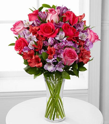 Photo of flowers: Romancing the Heart Bouquet