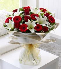 Photo of Red and White Hand Tied No Vase  - 500529