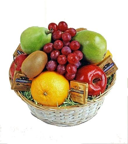 Photo of flowers: Fruit and Chocolate Gift Basket