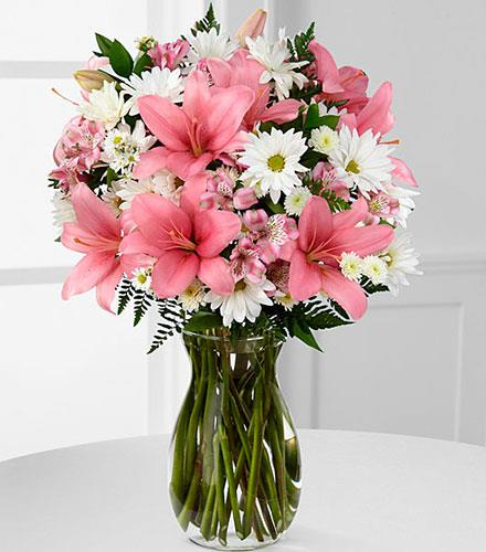 Photo of flowers: In the Presence of Pink Mixed Vase