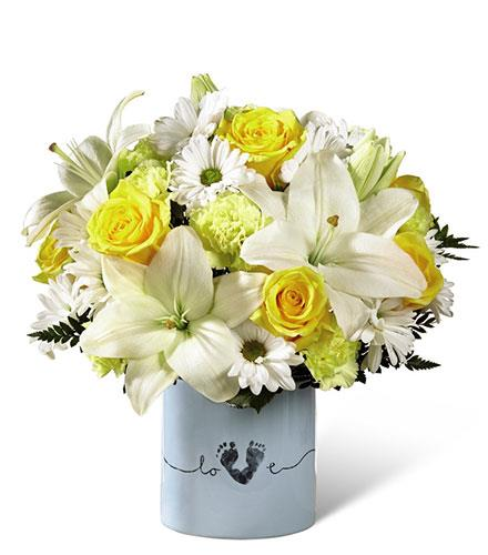 Photo of flowers: Tiny Miracle New Baby Boy Bouquet