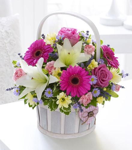 Photo of flowers: Pretty Girl Basket  500556