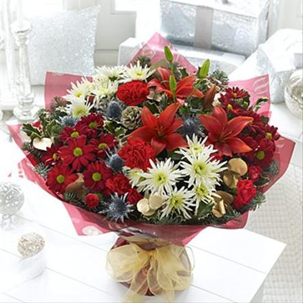 Photo of flowers: Christmas Cracker Hand-tied No Vase