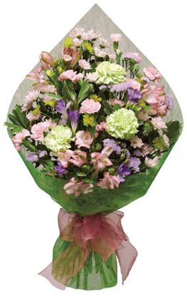 Photo of flowers: Traditional Cut Bouquet Gift Wrapped