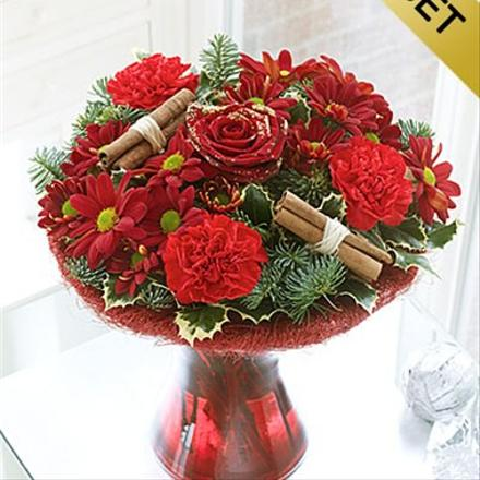 Photo of flowers: Christmas Perfect Flowers in Vase with chocolates