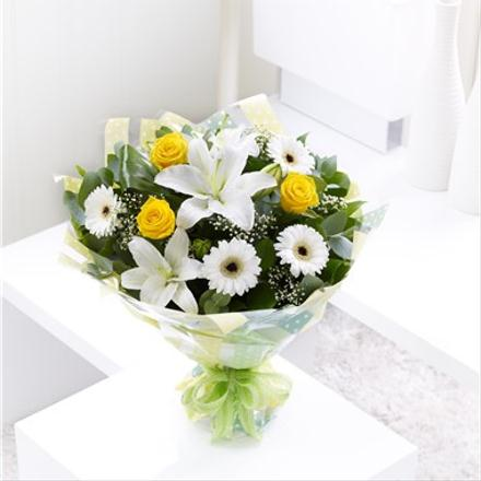 Photo of flowers: Spring Sunshine Hand-tied Gift Wrapped