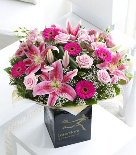 Photo of flowers: Pink Radiance Hand Tied IC500523