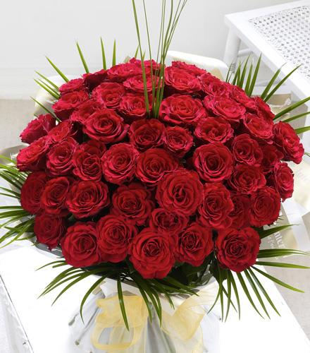 Photo of flowers: Fifty 50 Roses Hand Tied Gift Wrapped