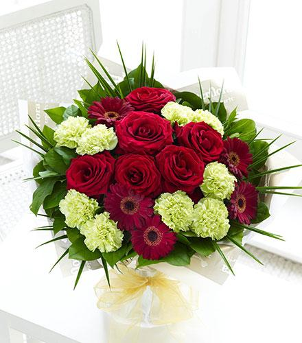 Photo of flowers: Majestic Hand-tied No Vase