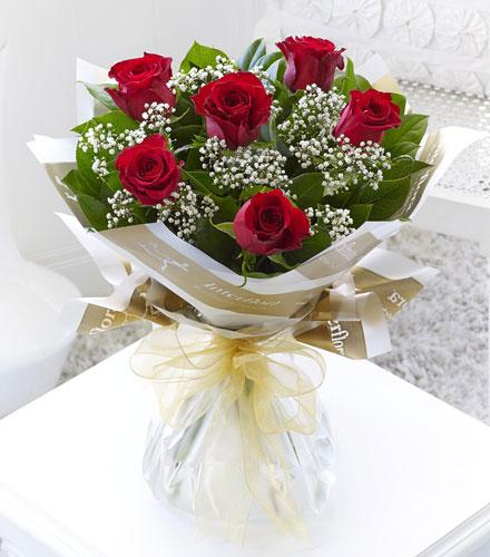 Photo of flowers: Six Stolen Kisses - 6 Red Roses Gift Wrapped