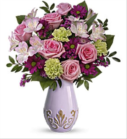 Photo of flowers: Regal Blossoms Bouquet T19M100