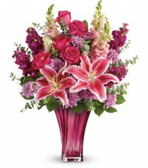 Photo of Bold Elegance Vase Bouquet Teleflora - TEV52-1