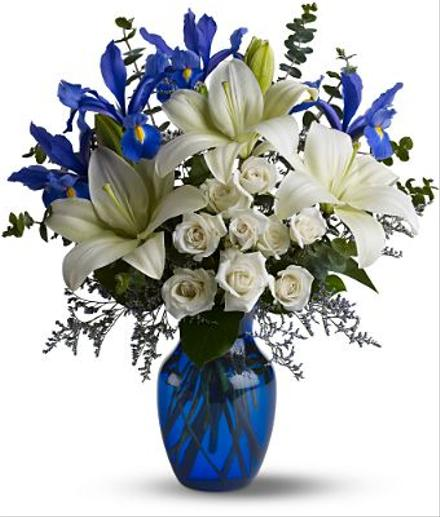 Photo of flowers: Blue Horizons in  Vase T12Z113