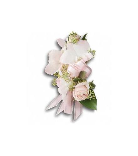 Photo of flowers: Beautiful Blush Corsage