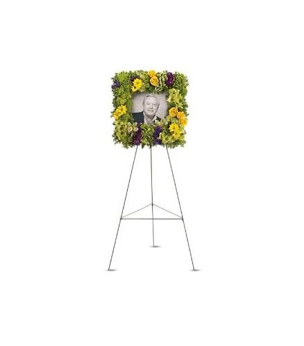 Photo of flowers: Richly Remembered Photo Square Wreath