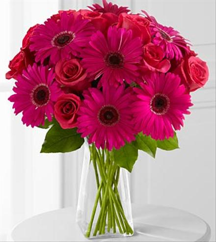 Photo of flowers: Adrenaline Blush Bouquet in Vase