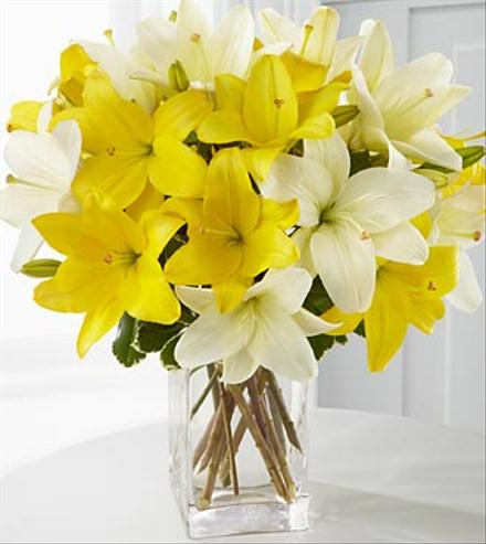 Photo of flowers: Summer Essentials Lily Bouquet
