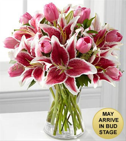 Photo of flowers: Lots of Love Valentine's Day Bouquet