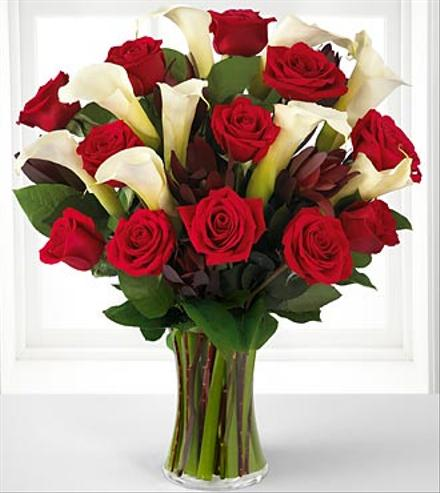 Photo of flowers: Memorable Moments in Vase