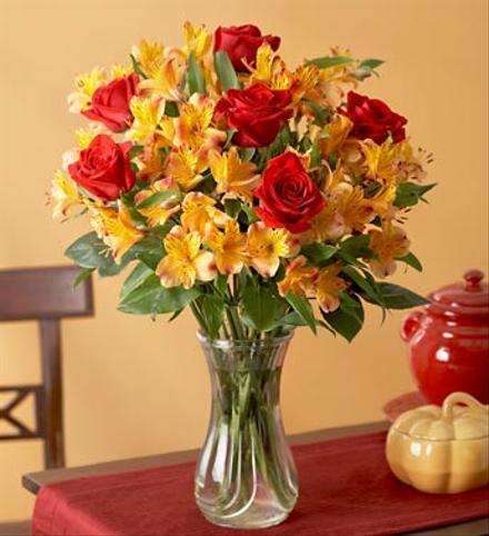 Photo of flowers: Roses and Alstromeria in Vase