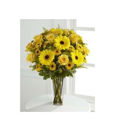 Photo of flowers: Daylight Yellow Bouquet Vased